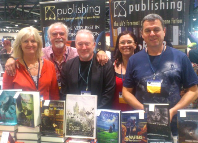 Nicky Crowther, Peter Crowther, Stephen Jones, Sheryl Smith and Michael Smith at the PS Publishing tables